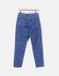 Jeans denim mon fit  con arandelas NA-KD
