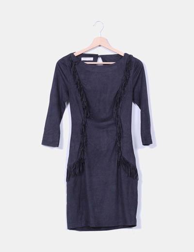 Vestido negro de antelina con flecos Suiteblanco