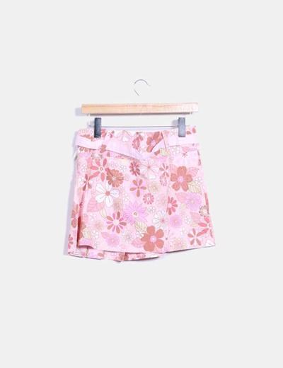 Falda rosa con estampado floral
