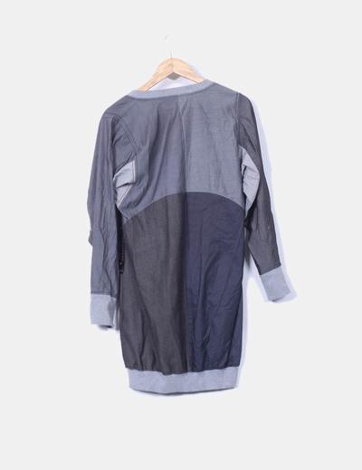Vestido gris abullonado combinado