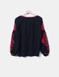 Blusa oversize con bordado Zara
