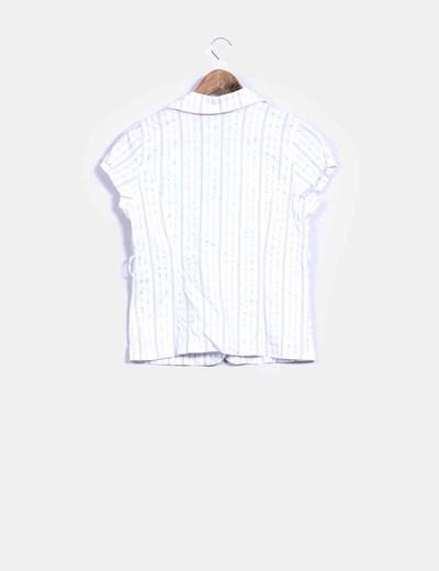 Camisa blanca con raya diplomatica