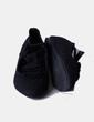 Zapato negro con rosetones Koima