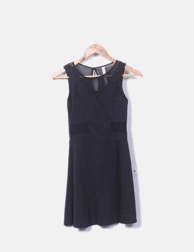 Vestido de tirantes negro con vuelo