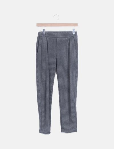 Pantalón fluido gris raya diplomática