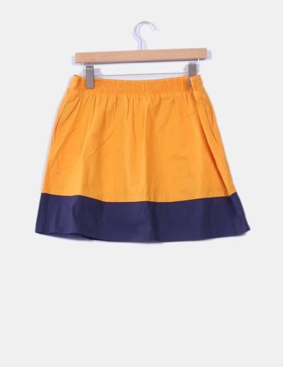Falda bicolor de vuelo