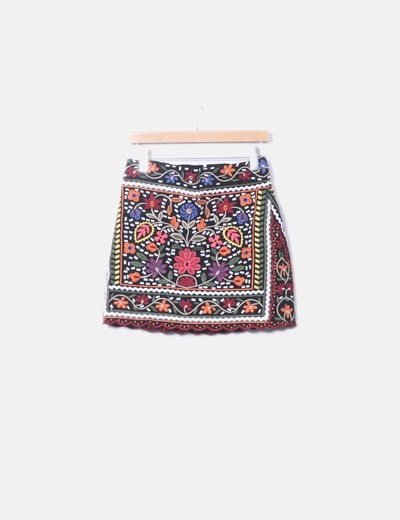 Black skirt with floral embroidery Zara