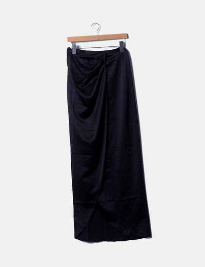 Maxi falda negra satén cruzada