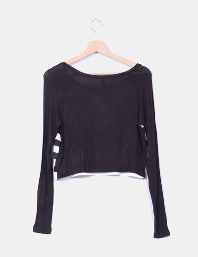 Camiseta corta negra de rayas
