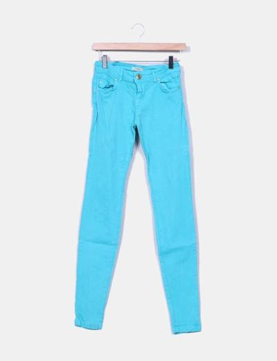 Jeans denim pitillo azul turquesa