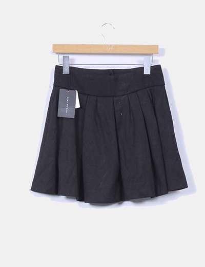 Falda negra vuelo Zara