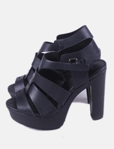 Sandalia negra plataforma