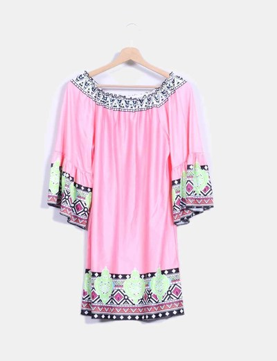 Vestido rosa con estampado multicolor