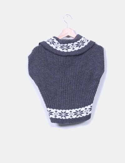Chaleco tricot con broche