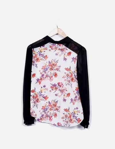 Blusa floral mangas negras
