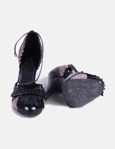 Zapato de tacon combinado bicolor