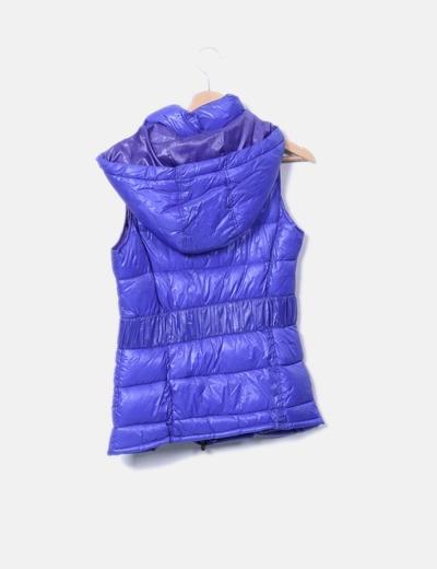 Chaleco acolchado azul con capucha