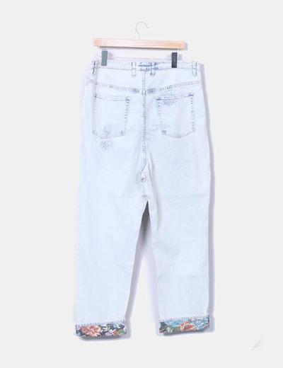 Jeans denim recto azul claro floral