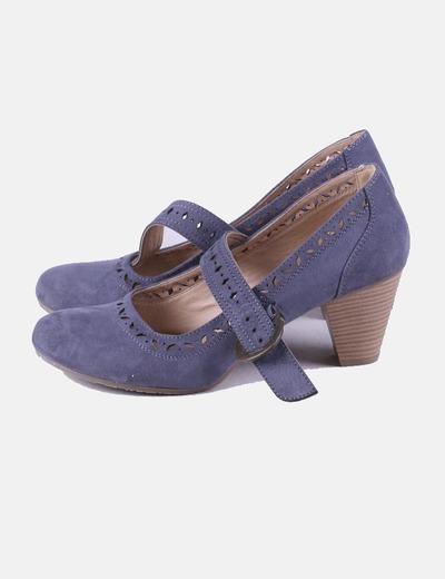 Zapato azul con hebilla