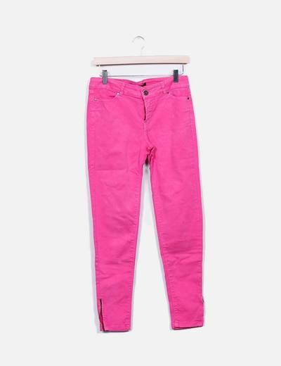 Jeans denim fucsia con cremalleras Zara