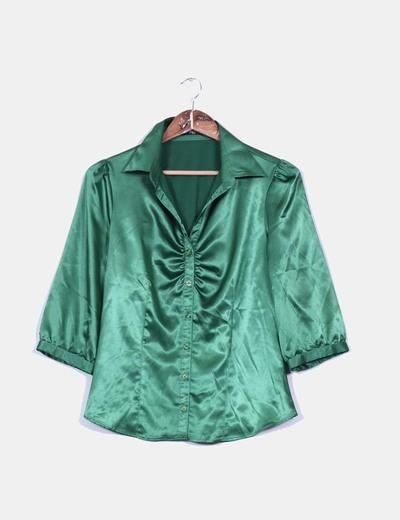 Camisa verde botella de raso Yera