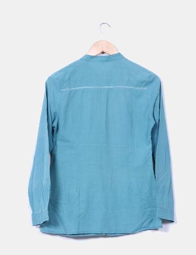 Camisa verde con bordados
