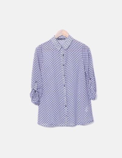Camisa con estampado azul y blanco