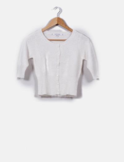 bc75f914293b0 Bershka Chaqueta corta blanca de angora (descuento 71%) - Micolet
