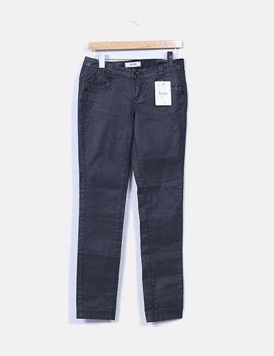 Pantalón gris encerado Bershka