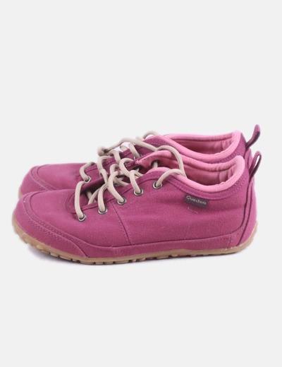 Zapatillas rosas con cordones
