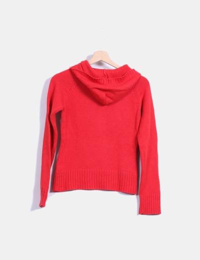 Jersey rojo con capucha