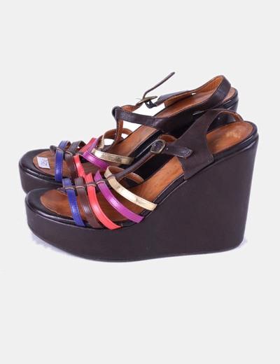 Sandalias de cuña marrones tiras multicolor Chie Mihara