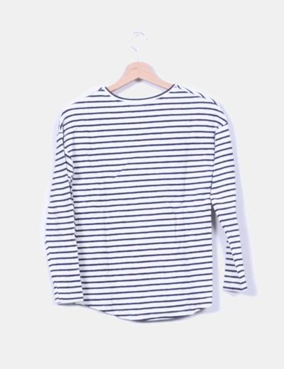 Camiseta de rayas con brillos en hombro