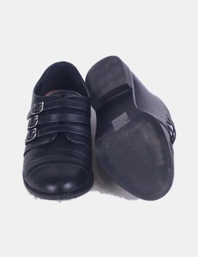 Zapato negros con hebillas