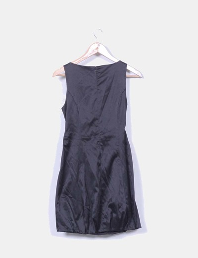 Vestido negro satinado