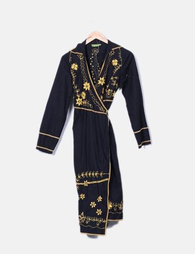 Vestido negro midi con bordado floral HHG