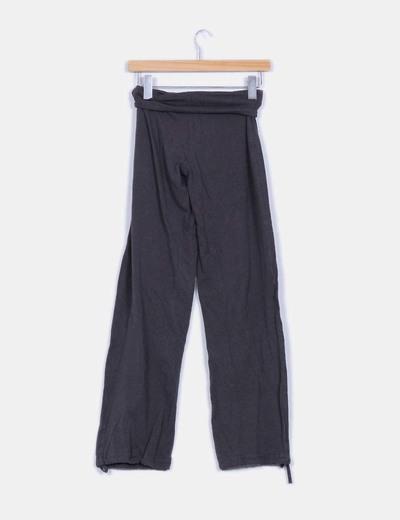 Pantalon ancho color gris detalle fajita tripa