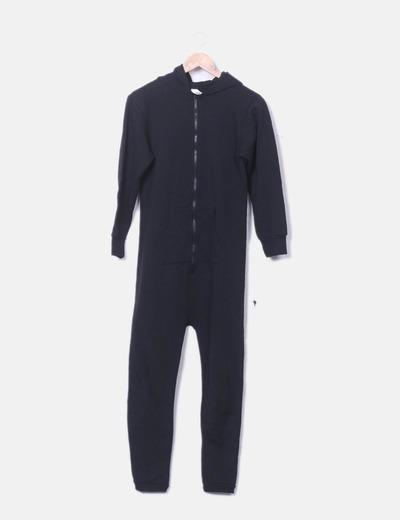 Mono sport negro con capucha