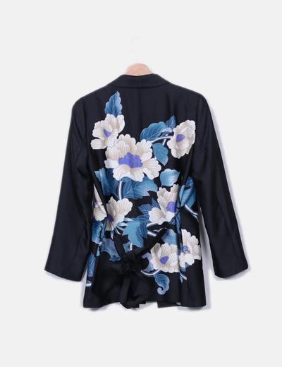 Kimono y pantalon saten negro floral