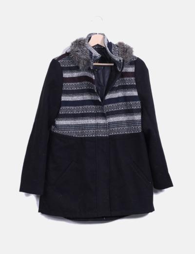 Abrigo largo negro con estampado combinado con pelo Jack