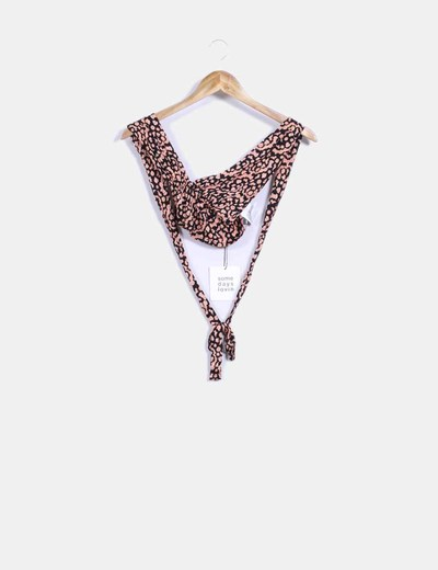 Top crop negro halter estampado naranja Some days lovin