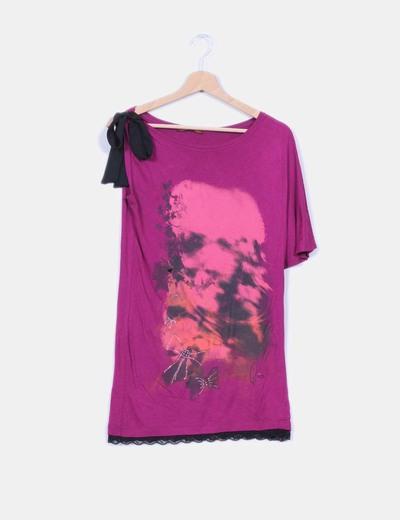 Camiseta morada asimétrica print Glüen