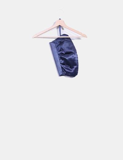 Bolso azul de raso con tachas