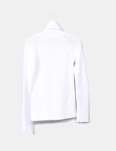 Jersey blanco cuello vuelto
