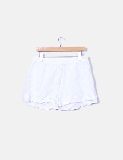 Short lencero blanco bordado