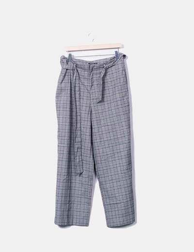 Pantalón gris de cuadros