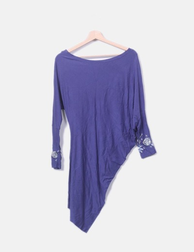 Vestido azul con abalorios