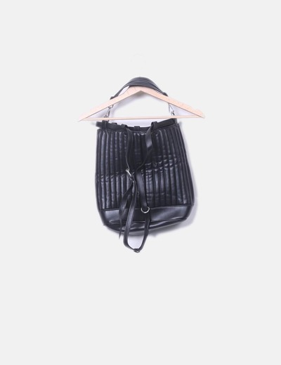 Zaino nero con texture Zara