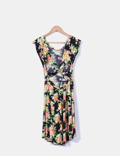 Vestido floral escote cruzado en espalda