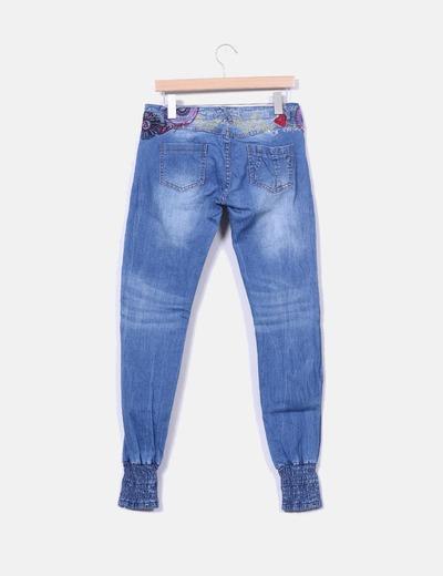Jeans baggy denim bordado